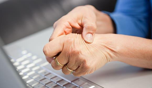 hands dull pain arthritis