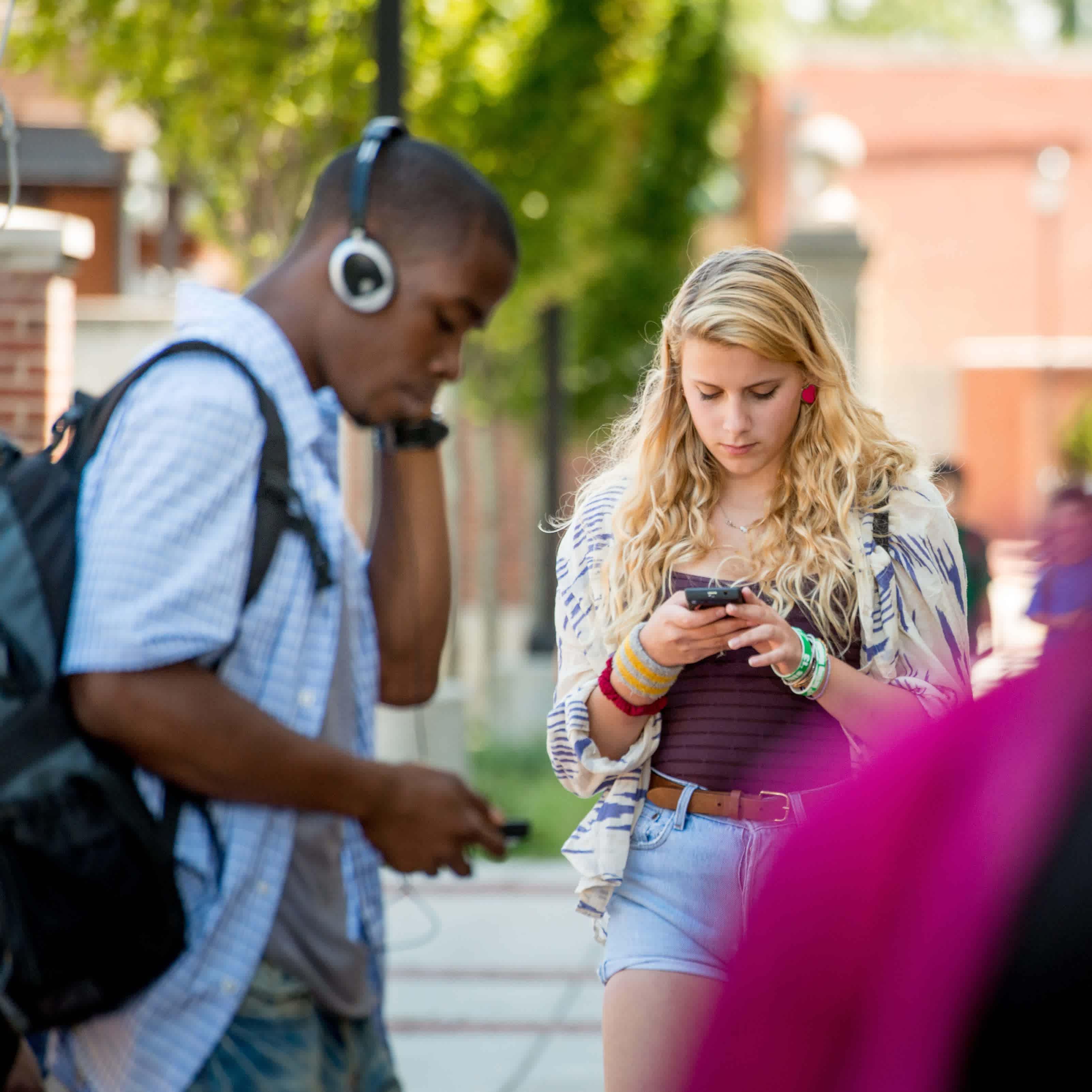 Wolfson Children's Hospital Teens Texting