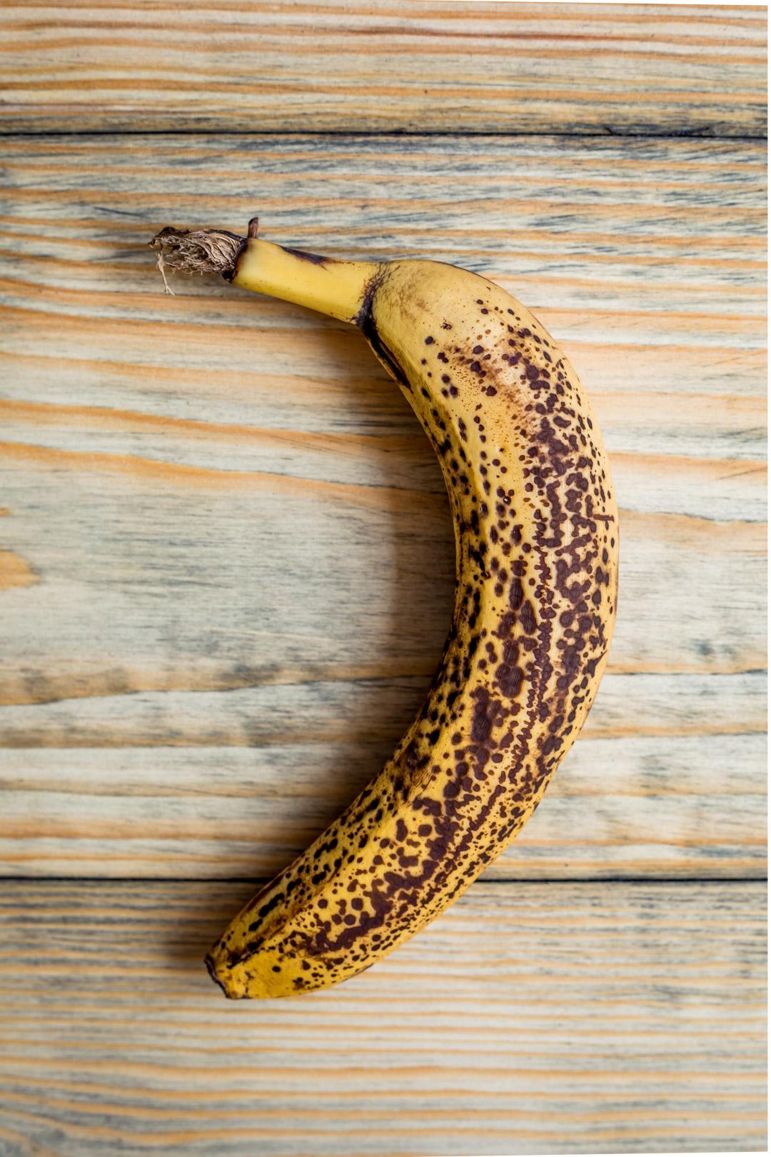 Wegański chlebek bananowo-kukurydziany i bez cukru