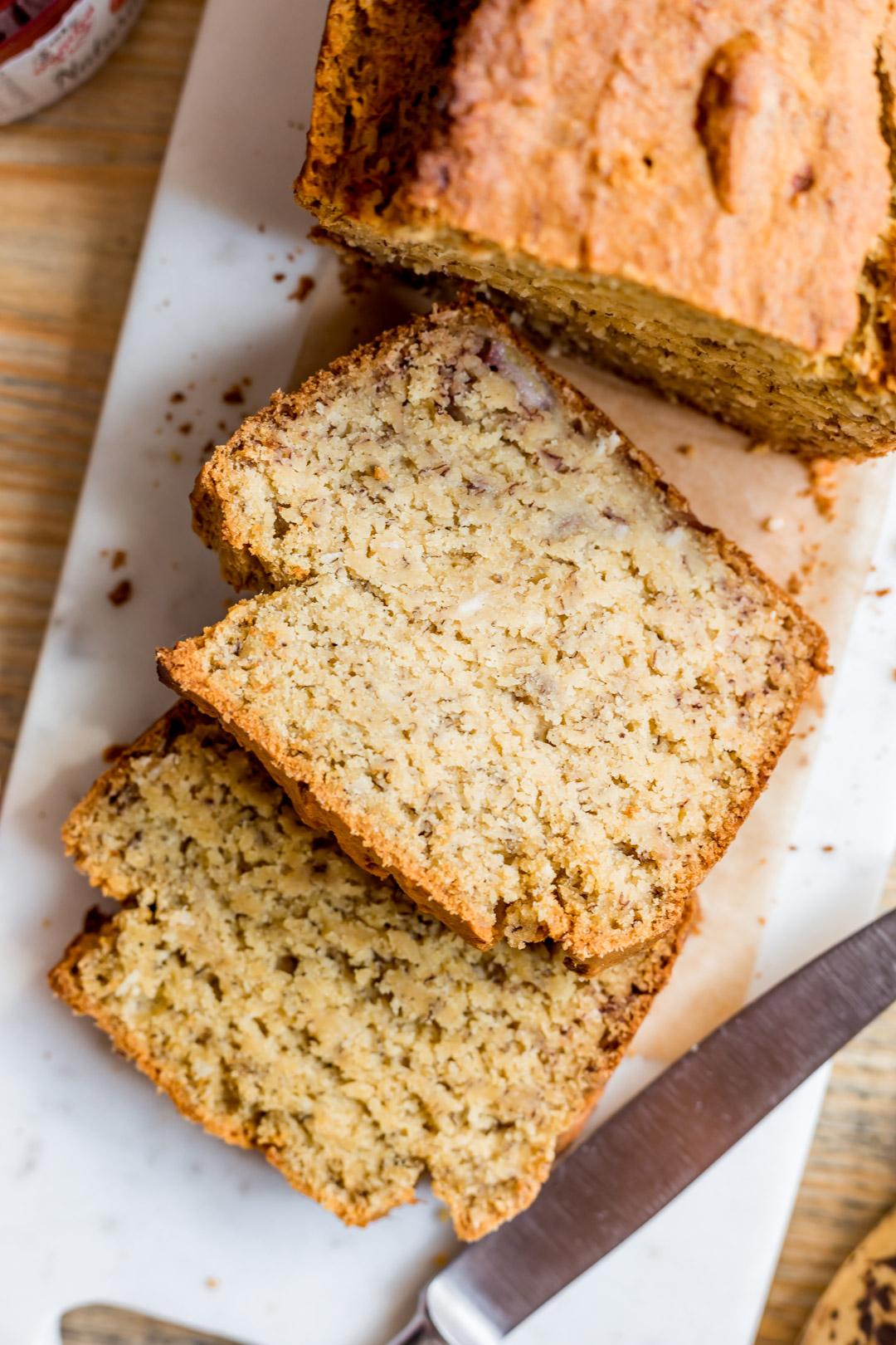 Wegański chlebek kukurydziany bez glutenu i bez cukru