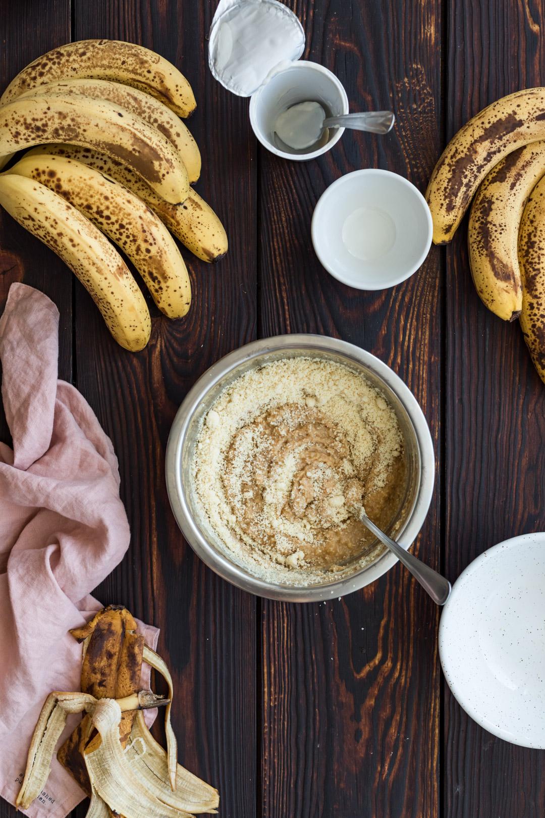 tarta migdałowa z bananami