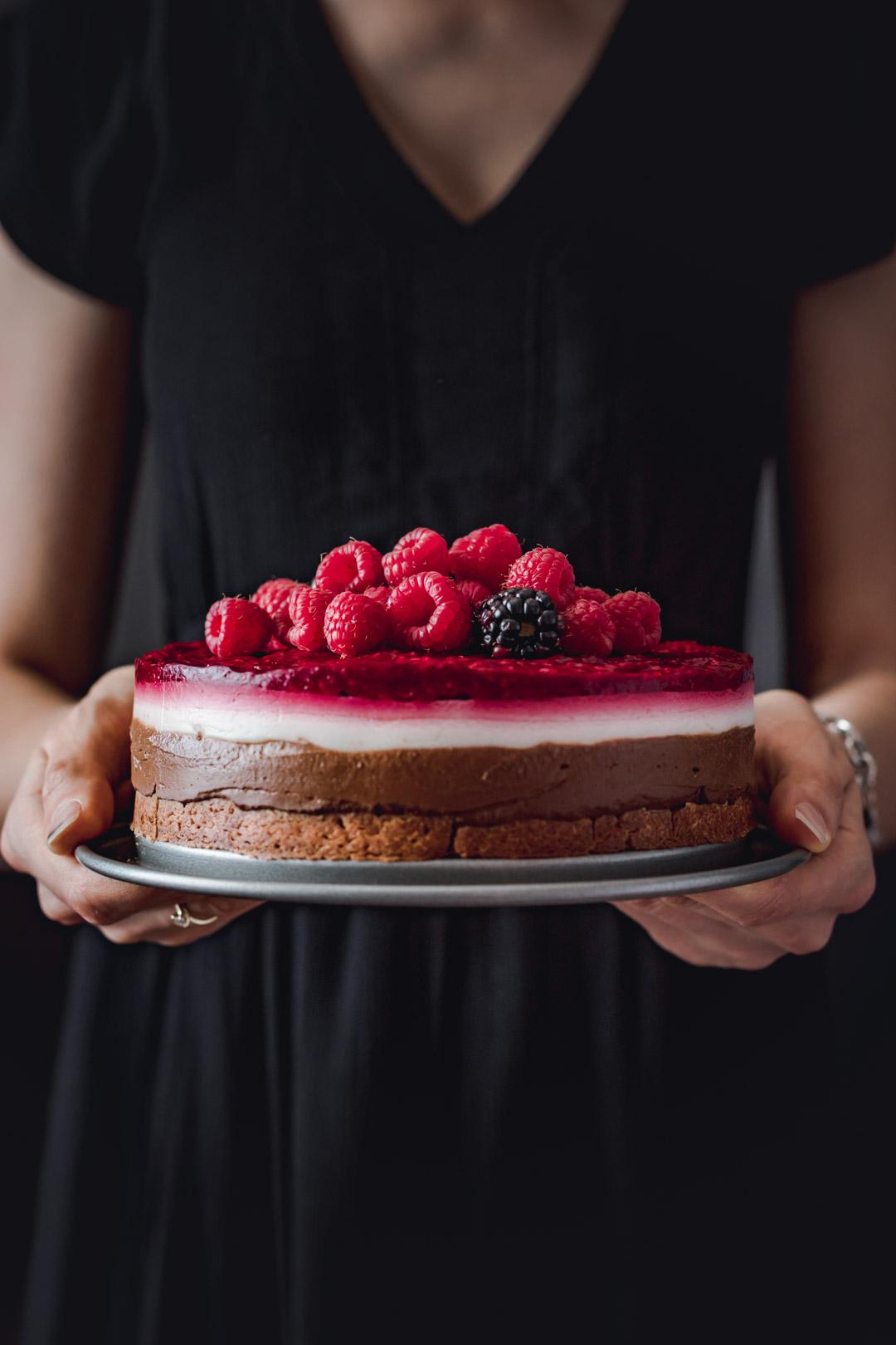 ciasto czekoladowo-kokosowe z malinami