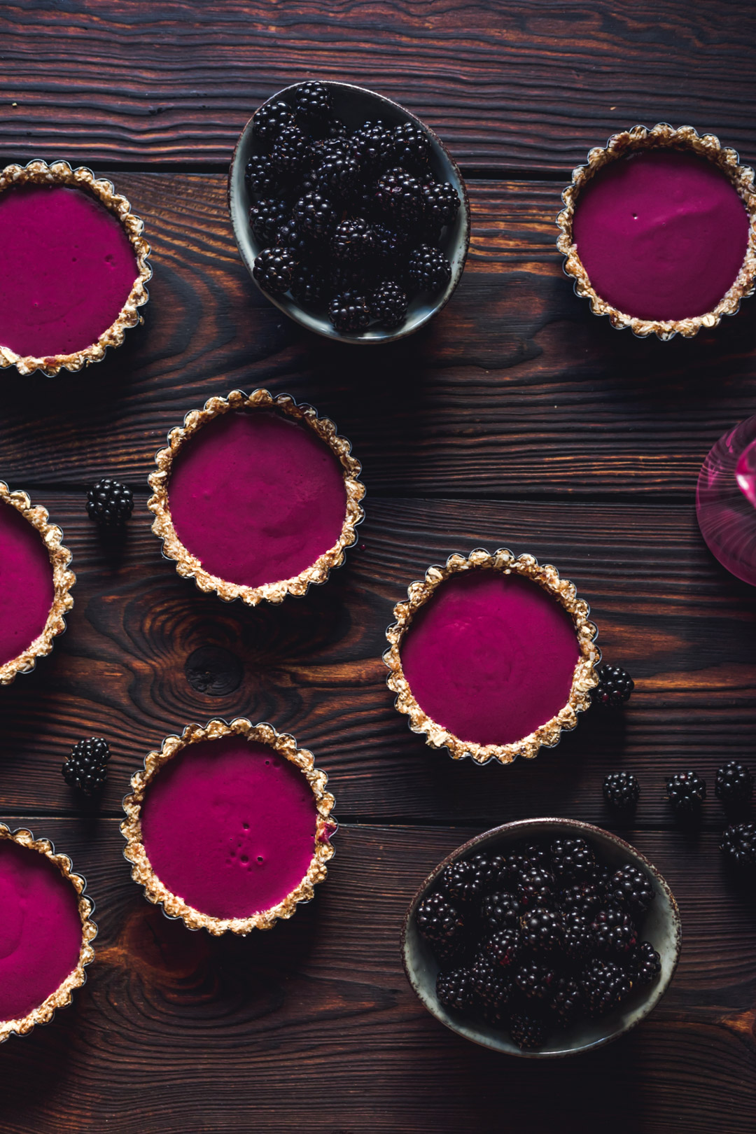 Vegan no-bake Blackberry Tartlets