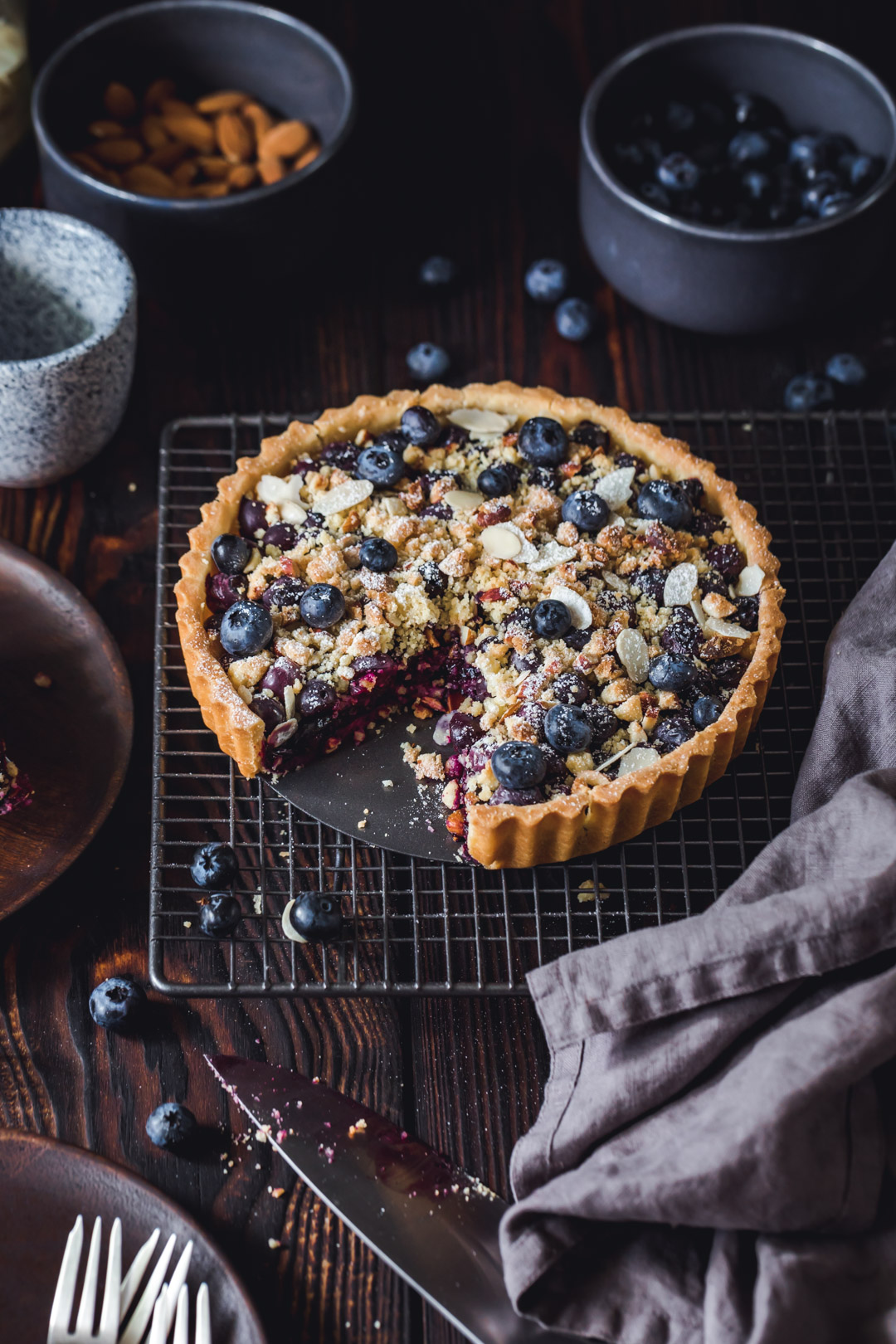 Gluten-free Blueberry Tart with Almond Crumble