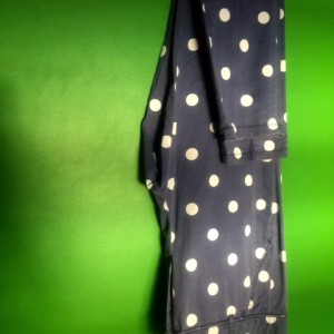 Calça da Zara-Barcelona nunca usada! Serve como traje casual e também um pouco mais formal! :) Tam: 38/40