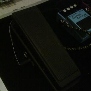 Pedal Dunlop Cry Baby GCB95. Apenas 3 meses de uso, muito bem guardado, como novo! #dunlop #pedal #pedais #wahwah #crybaby #guitar