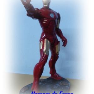 boneco em resina com pintura automotiva do personagem homem de ferro versão quadrinhos com 30 cm de altura