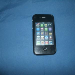 IPHONE made in China dual chip. Acompanha cartão de memória do 02 gigas Apenas uma semana de uso!!