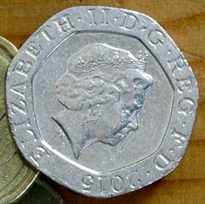 оптимизированная с помощью Optimizilla фотография монеты