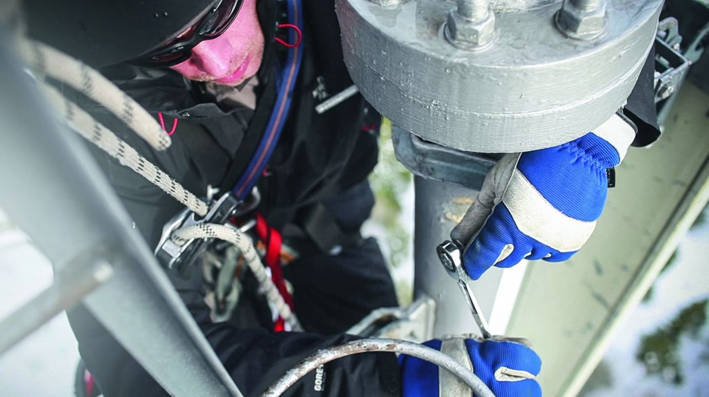 Working At Height Hazards And Control Measures Hsi Magazine Electrical Building Wiring 8211 Safety Methods Materials
