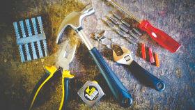 Bau- und Handwerkzeuge