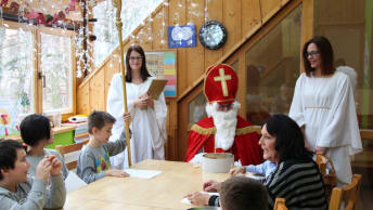 Every year Santa Claus and his two angels visit the Tillmann children's and youth centre.