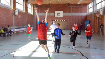 Die BayWa Stiftung fördert Basketball-Training am Sonderpädagogischen Förderzentrum Neuperlach.
