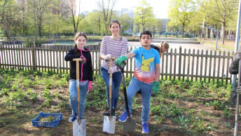 Agriculture up close: The BayWa Foundation planted a field at the Special Education Support Centre Neuperlach.