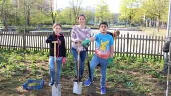 Landwirtschaft hautnah: Die BayWa Stiftung pflanzte ein Feld am Sonderpädagogischen Förderzentrum Neuperlach.