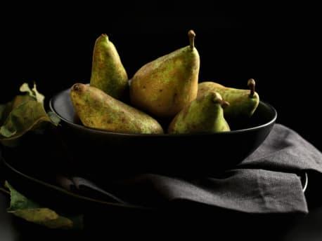 Foodfotografie Packshot Freisteller Obstteller mit Birnen