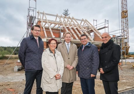 Topping out ceremony for the efficiency house plus settlement