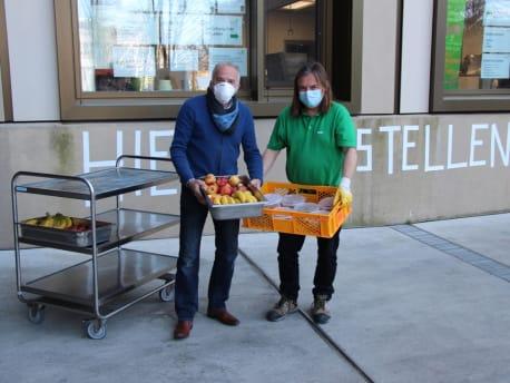 Kostenloses Essen für Münchner Obdachlose.