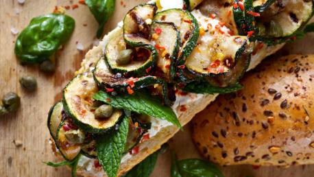 Zucchini mit Ziegenfrischkäse