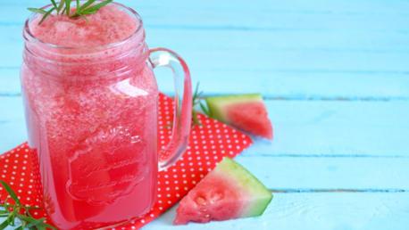 Wassermelone-Rosmarin-Wasser