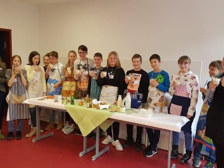 Schulprojekt Kochen mit regionalen Produkten in der Realschule Taufkirchen