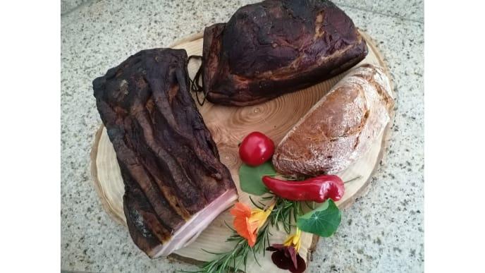 Geräuchertes mit Brot