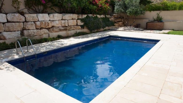 Poolbau mit hochwertigen Materialien von BayWa Baustoffe