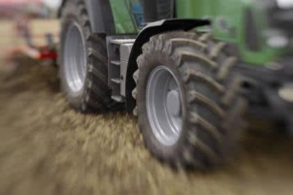 Traktoren- und Anhänger-zubehoer