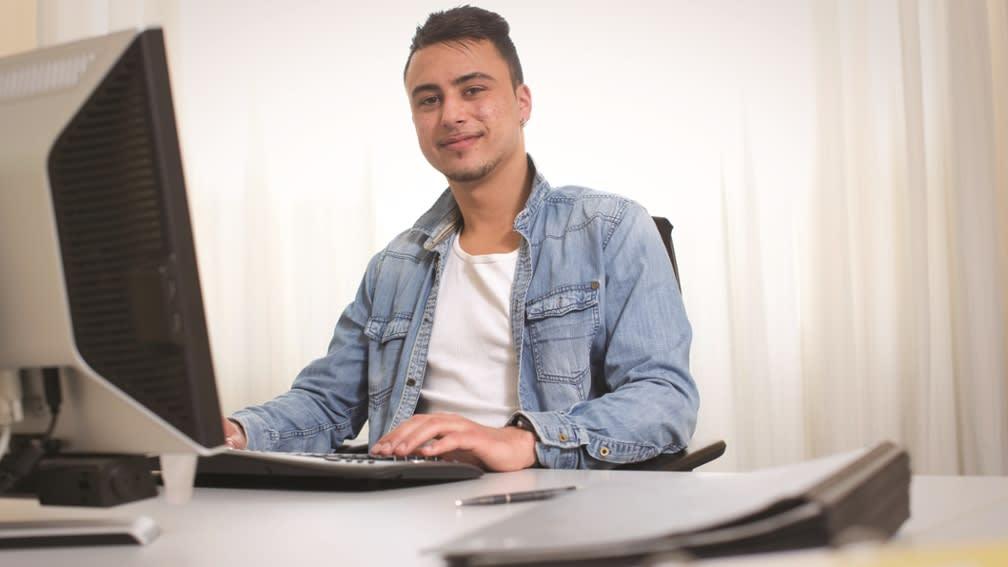 Auszubildender IT-Systemkaufmann