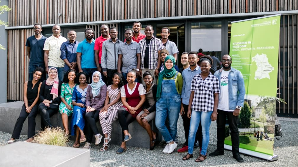 A fruitful exchange of knowledge: 25 African scientists are guests at the Weihenstephan-Triesdorf University of Applied Sciences for half a year.