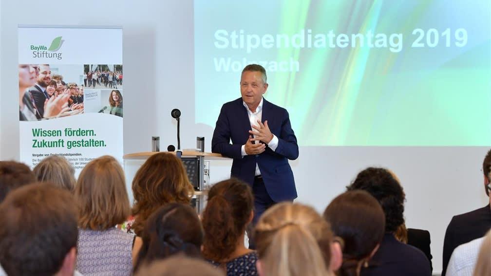 Prof. Klaus Josef Lutz beim Stipendiatentag 2019.