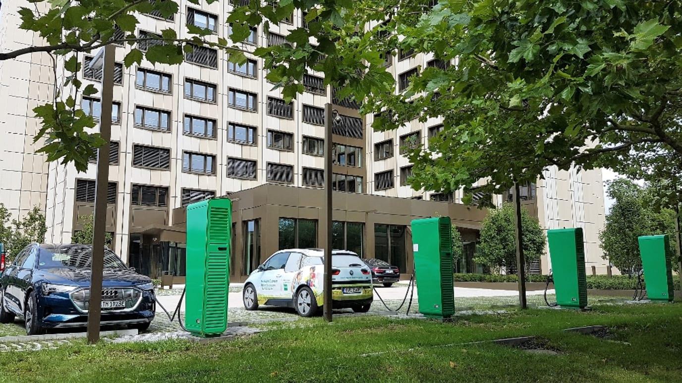 Hypercharger an der Arabellastraße 4, BayWa AG