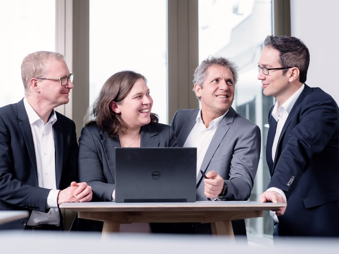 IT-Mitarbeiter im Gespräch