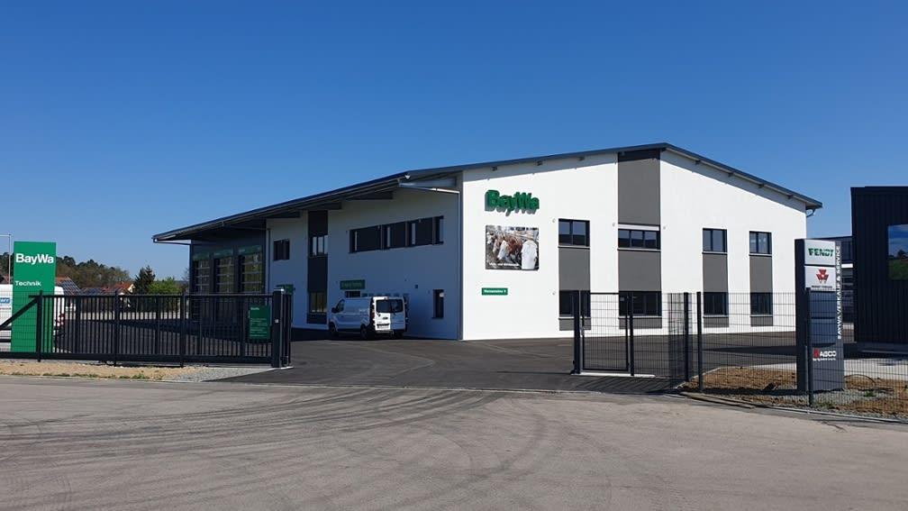 Gebäude der BayWa AG, Werkstätte im Gewerbegebiet West in Schwarzenfeld