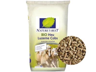 NATURE´S BEST BIO Heu Luzerne Cobs biotaugliches Cobs mit hohen nativen Gehalten an Aminosäuren für Pferde zum Einweichen 25 kg Sack