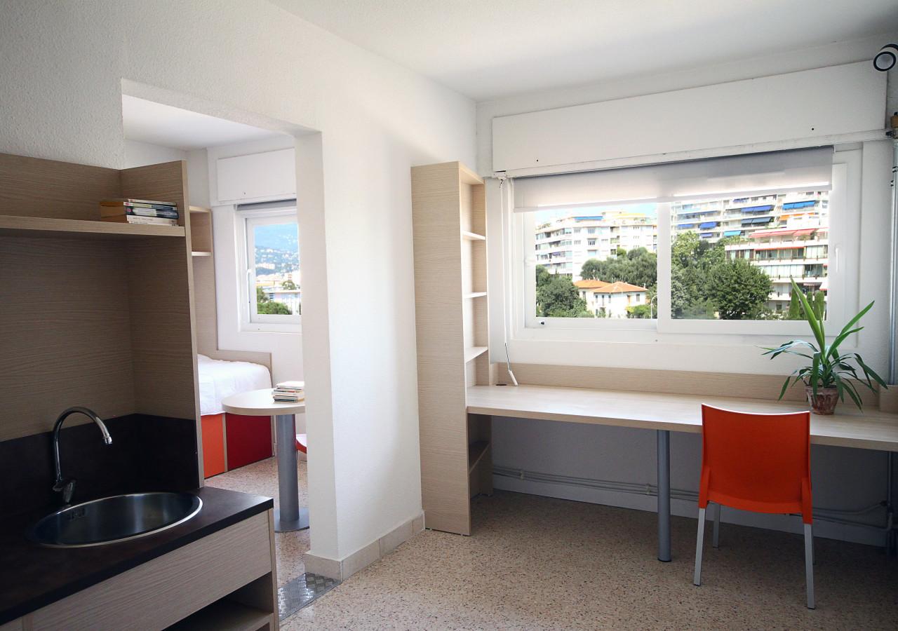 campus d 39 t r sidence les collinettes. Black Bedroom Furniture Sets. Home Design Ideas