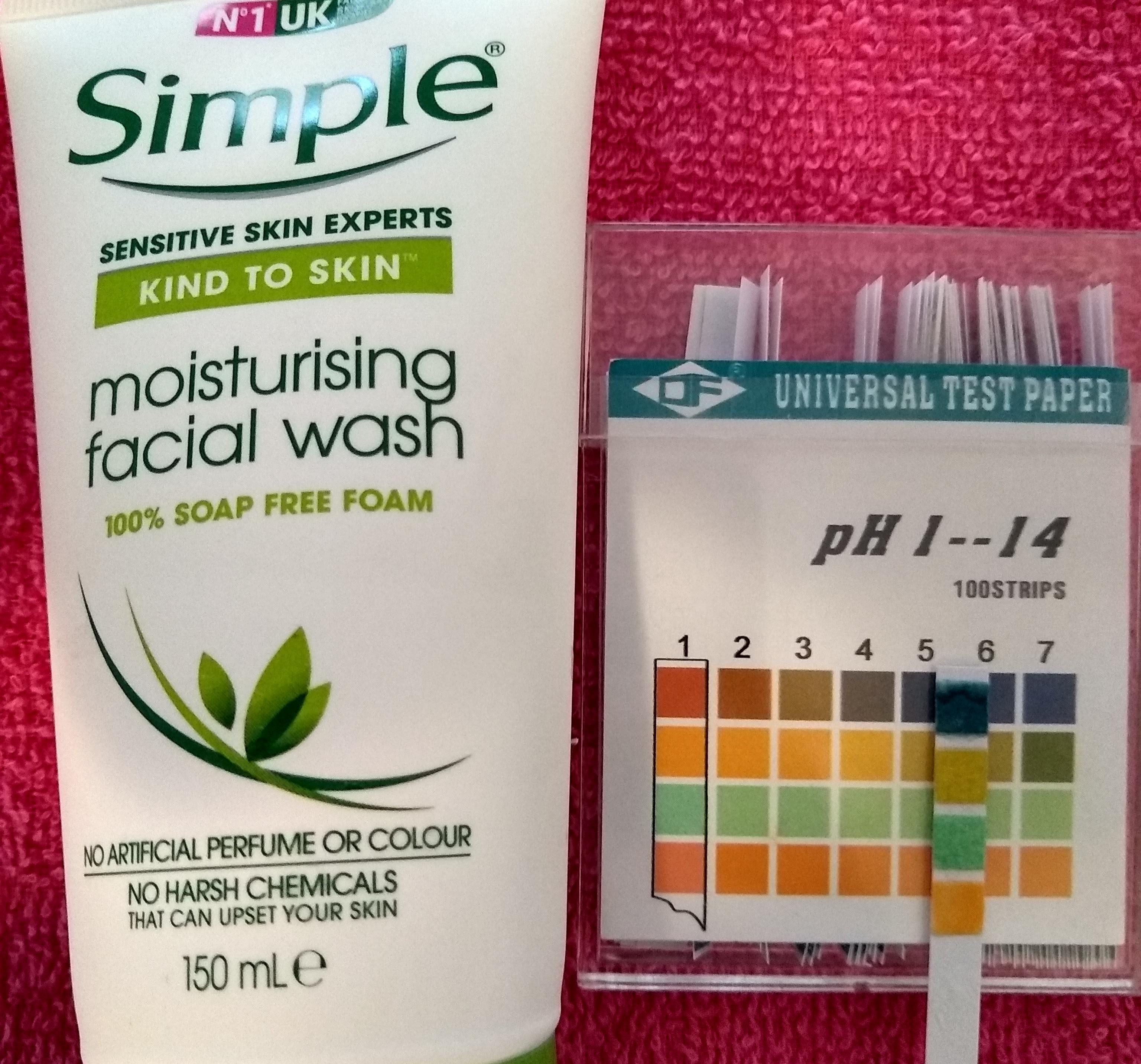pH del limpiador humectante de Simple