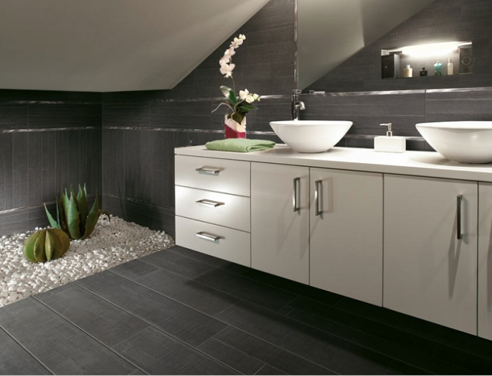 Barrique 4x24, 4x40, 8x40 wood-look tile in Noir
