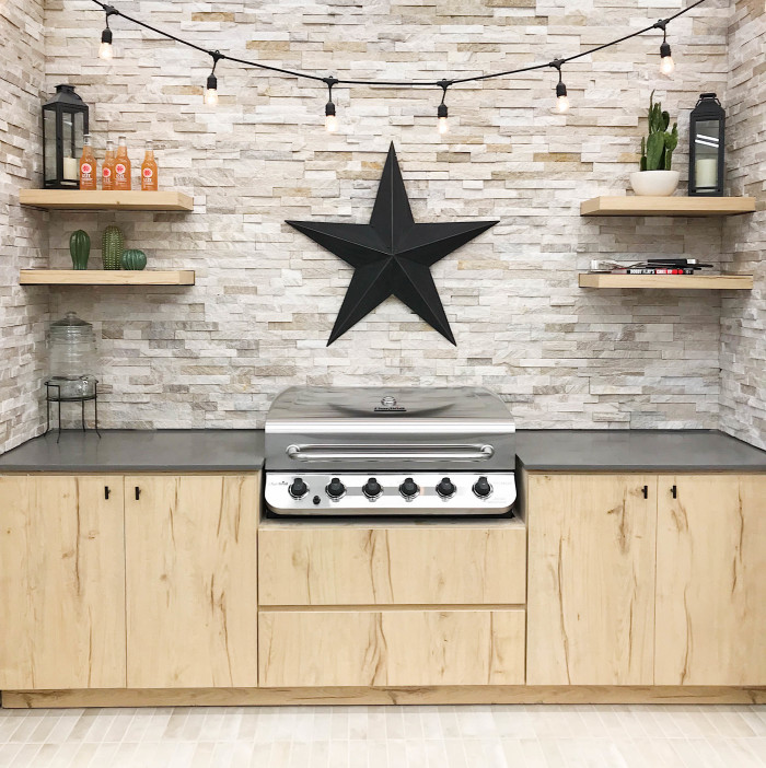 The Lone Star State - Countertop: Sequel® Quartz Stonewall Grey 2cm polished | Backsplash: Millennium Cream Slate Ledger | Floor: Urbanity 2.5x10 porcelain tile in Sand