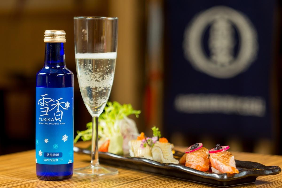 炙燒比目魚鰭邊握壽司/鮭魚肚握壽司 x 雪香 發泡清酒