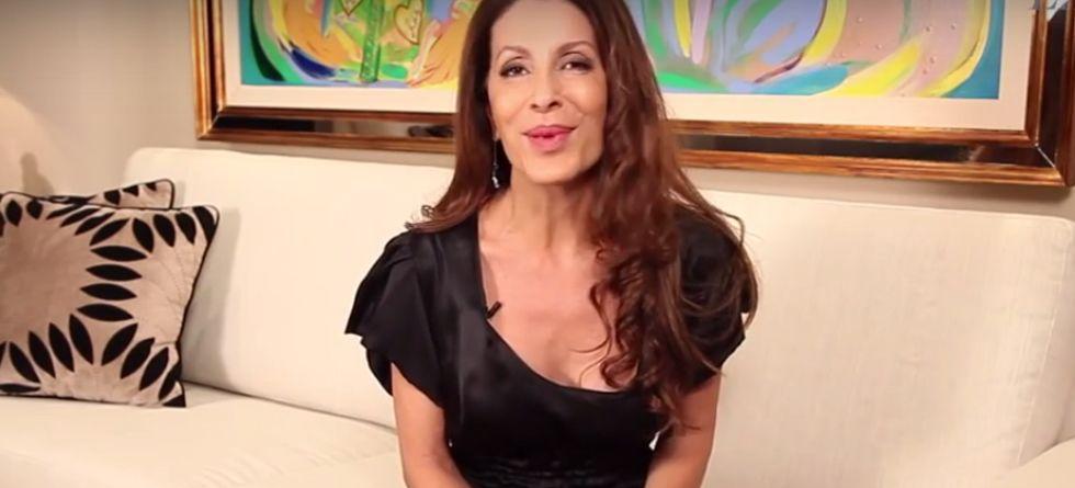 Como desembaraçar cabelo longo por Cynthia Greiner