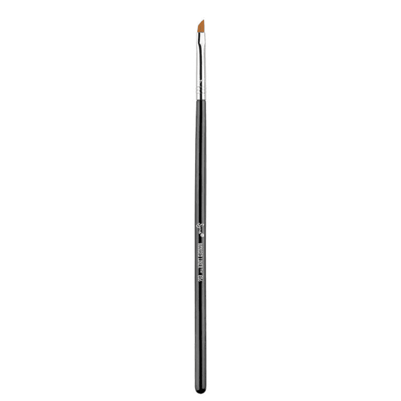 Sigma Beauty E06 Winged Liner - Pincel Delineador