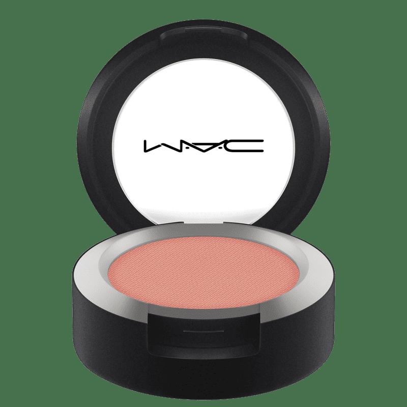M.A.C Powder Kiss Soft Matte Strike a Pose - Sombra 1,5g