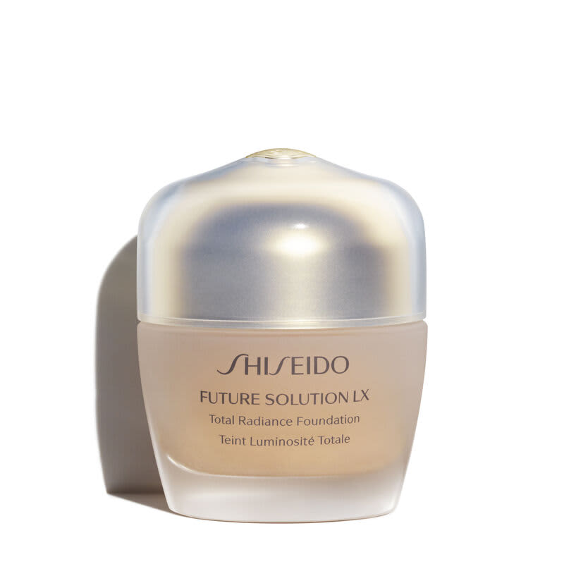 Shiseido Future Solution LX Total Radiance FPS 15 Neutral 4 - Base Cremosa 30ml
