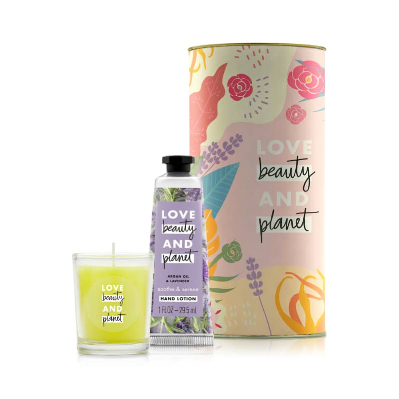 Kit Love Beauty and Planet Smooth & Serene com Vela (3 produtos)