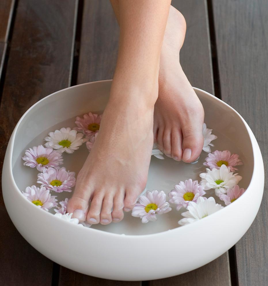 Como fazer um escalda-pés relaxante