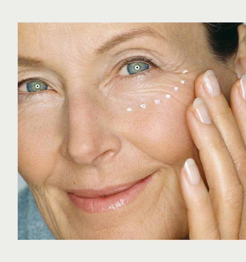 Como usar protetor solar na área dos olhos
