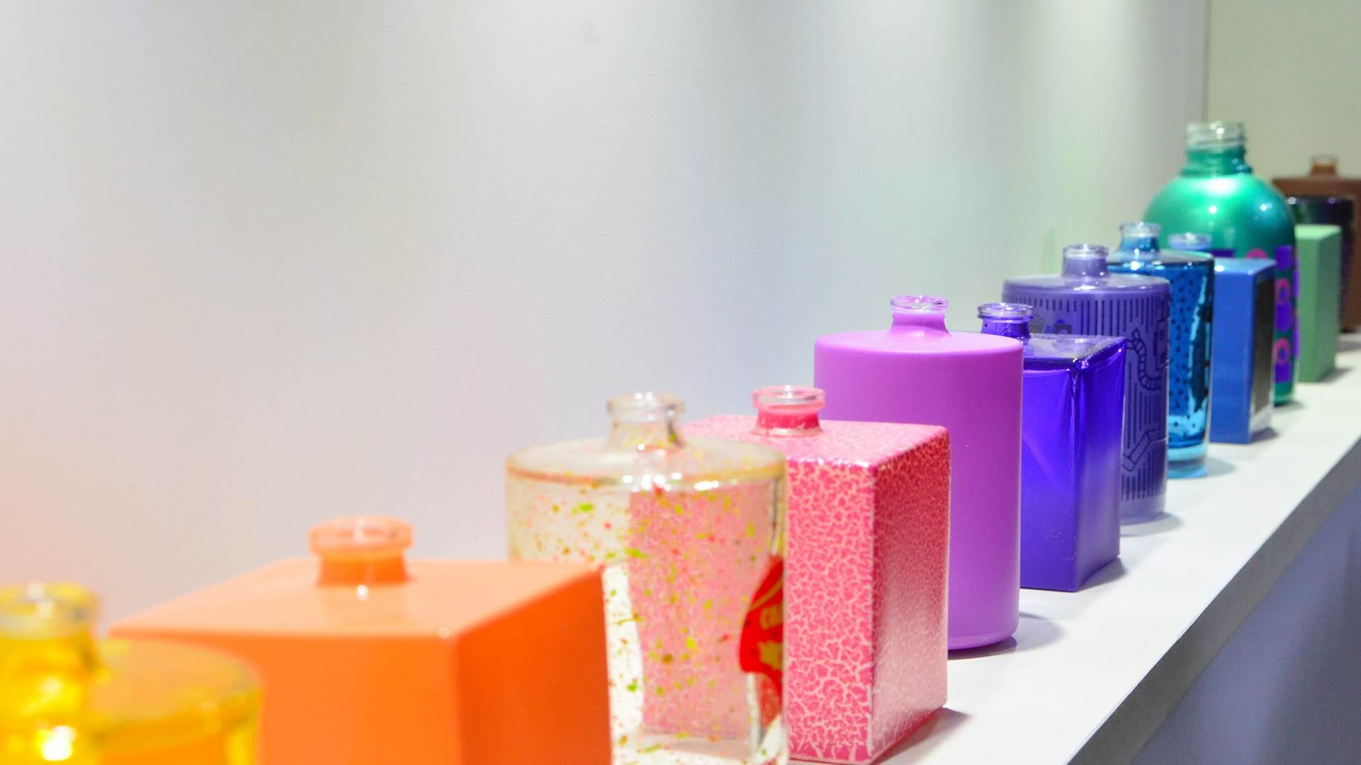 A história do vidro, exposição do perfume