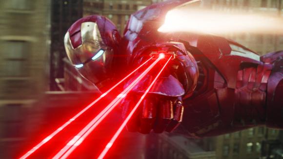iron-man-fires-laser-avengers