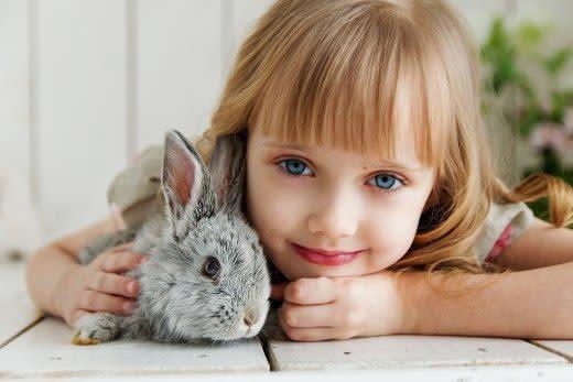 ウサギと子ども